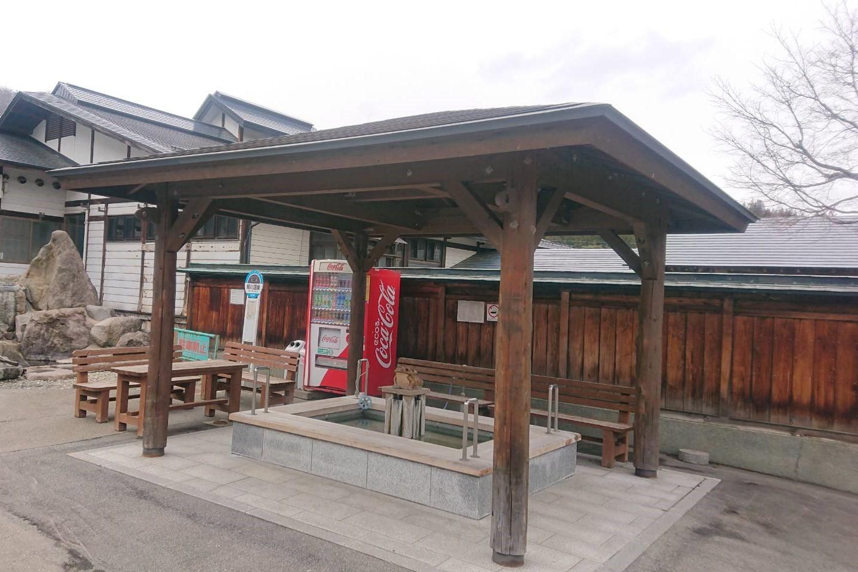 奥おおえ柳川温泉の足湯1
