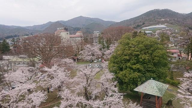 上山城の天守閣からの眺め2
