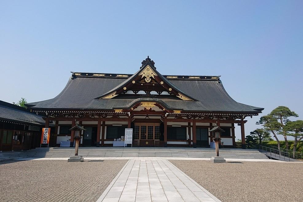 山形縣護國神社の拝殿