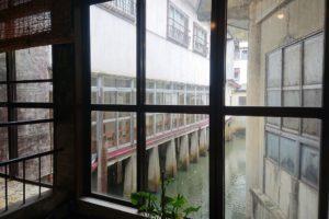 加登屋旅館のロビーからの眺め