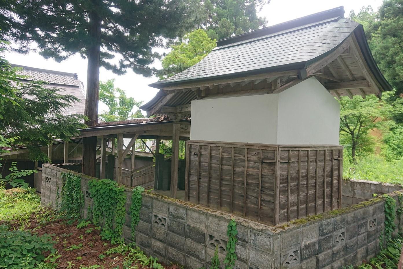 愛宕羽山両神社の本殿