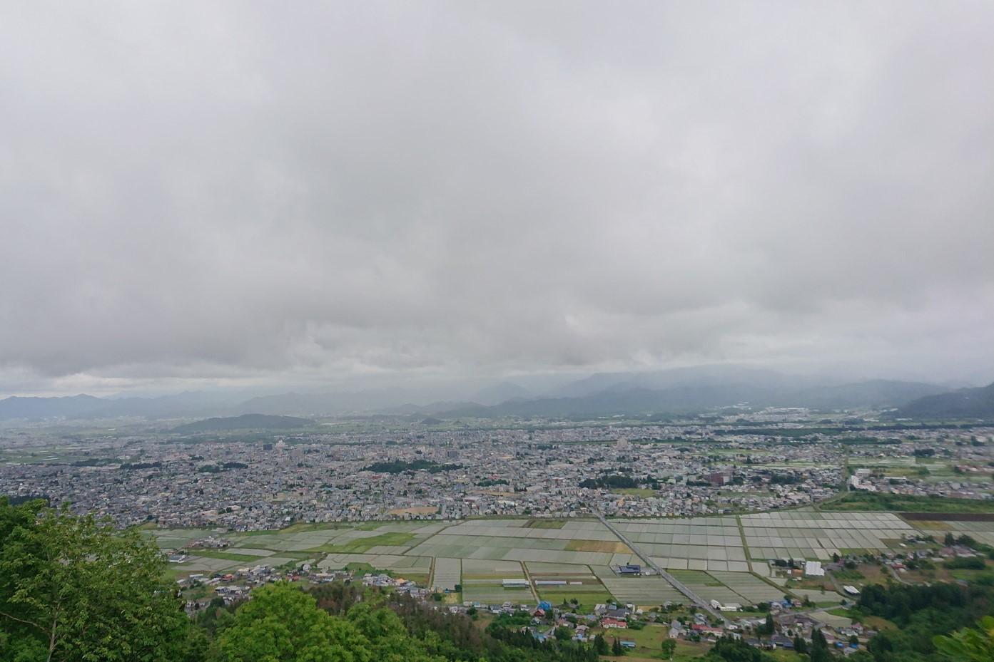 愛宕山から見える米沢市街地