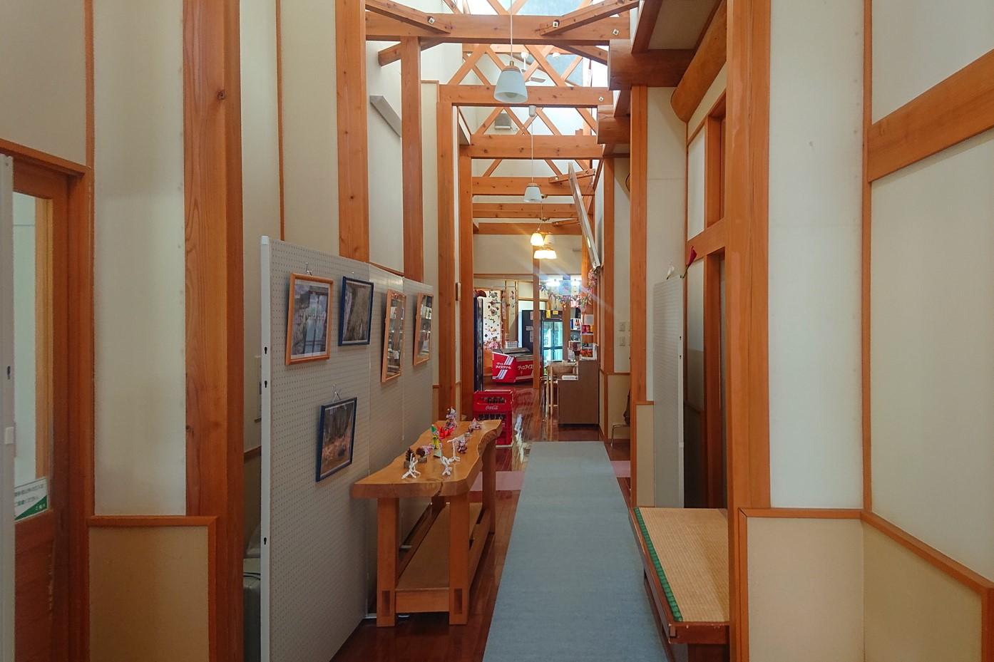 湯ったり館の廊下