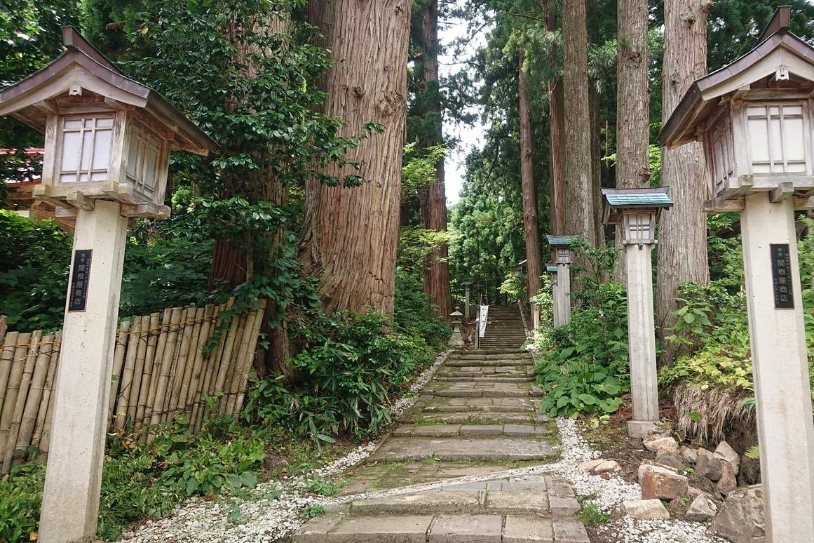 金峯神社の参道