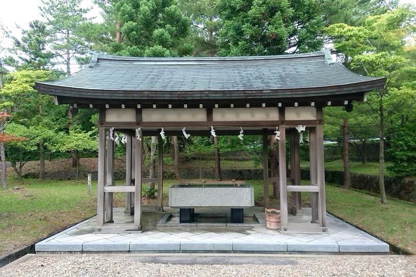 北舘神社の水取