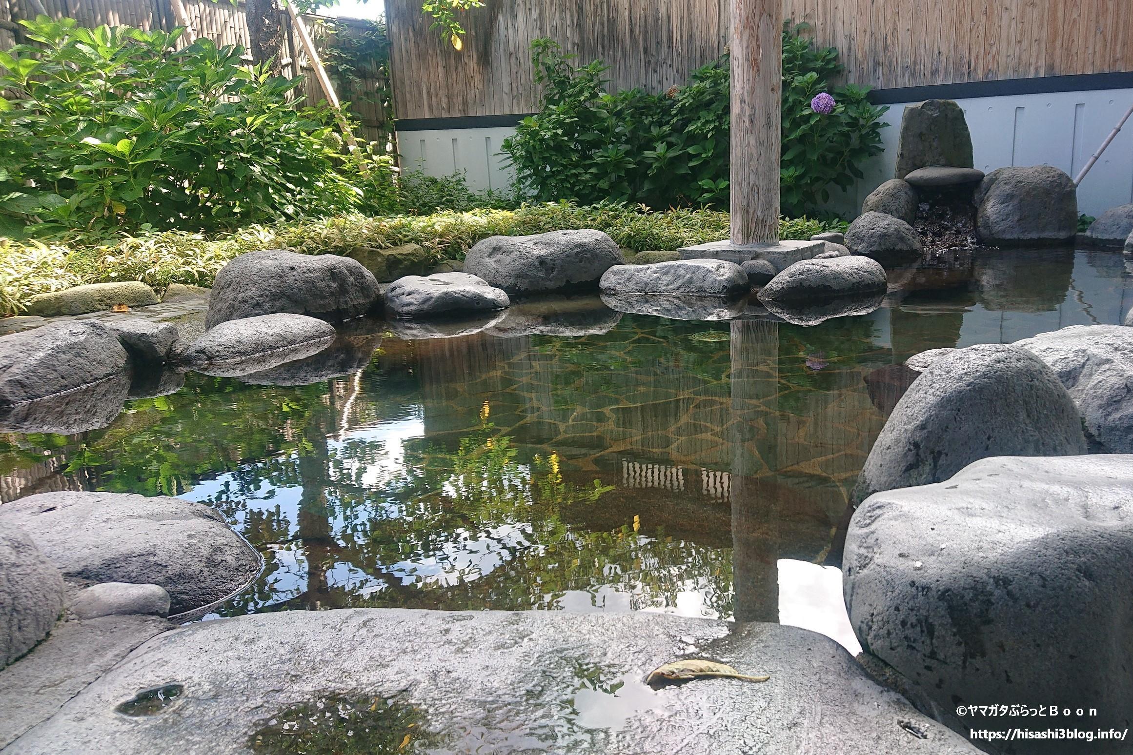 徳良湖温泉 花笠の湯の露天風呂1