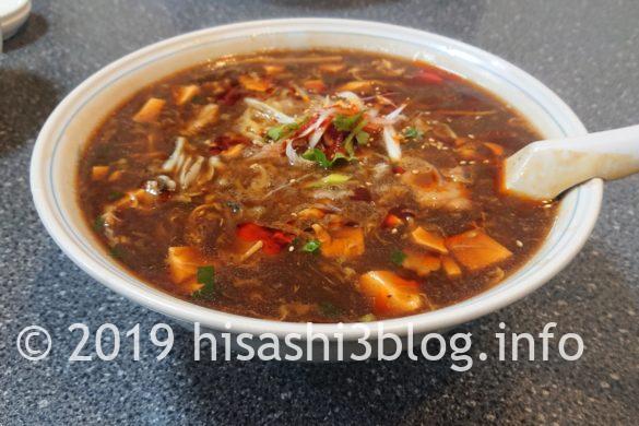竹林坊の「広島牡蠣の黒酢酸辣麺」2