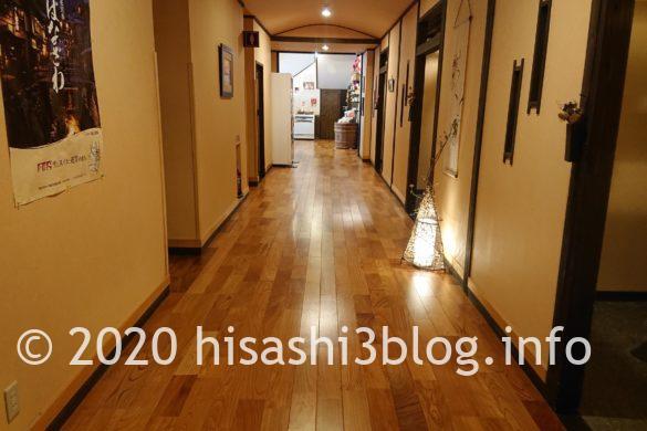 瀧見館の廊下