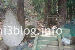 犬の宮の参道1