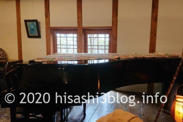 瑳蔵のグランドピアノ